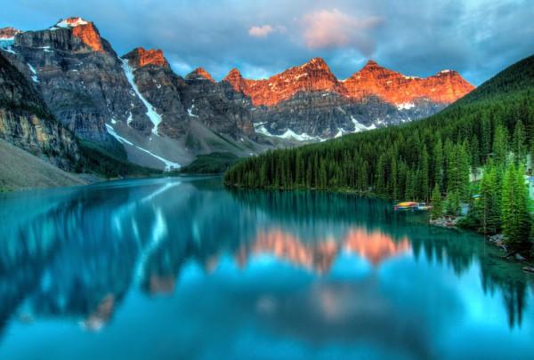 Fototapete Nr. 3289 - Sonnenaufgang am Moraine Lake, Kanada